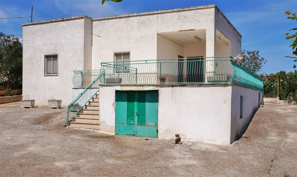 Villa in vendita a Martina Franca, 4 locali, zona Località: CHIANCARO, prezzo € 90.000 | CambioCasa.it