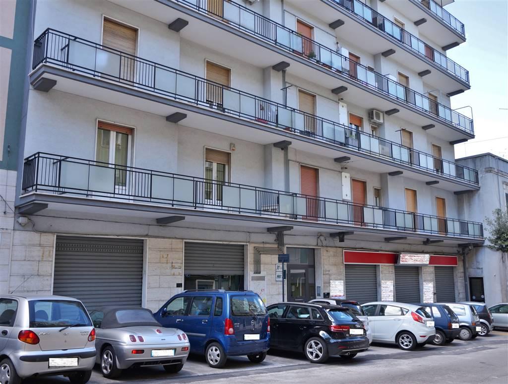 Appartamento in affitto a Martina Franca, 4 locali, zona Località: FABBRICA ROSSA, prezzo € 500 | CambioCasa.it