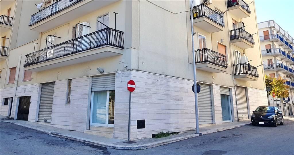 Immobile Commerciale in affitto a Martina Franca, 1 locali, zona Località: OSPEDALE, prezzo € 700 | CambioCasa.it