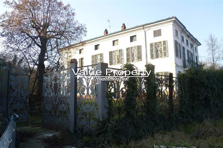 Villa in vendita a Alessandria, 20 locali, zona Zona: Valmadonna, prezzo € 140.000 | Cambio Casa.it