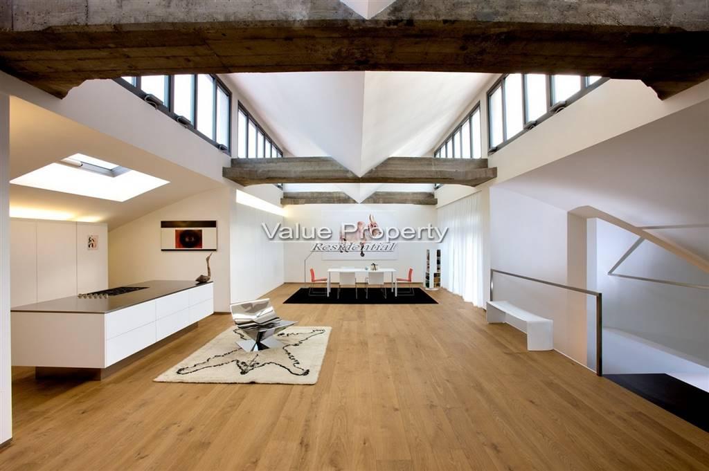 Loft open space in Affitto a Milano: 5 locali, 330 mq