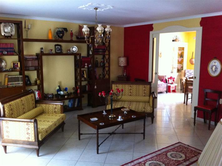 Soluzione Indipendente in vendita a Andria, 4 locali, zona Località: SEMICENTRO, prezzo € 425.000 | CambioCasa.it