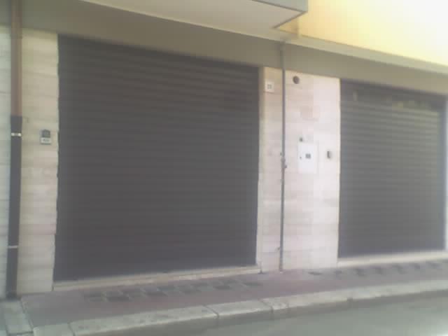 Immobile Commerciale in affitto a Andria, 9999 locali, zona Località: SEMICENTRO, prezzo € 350 | CambioCasa.it