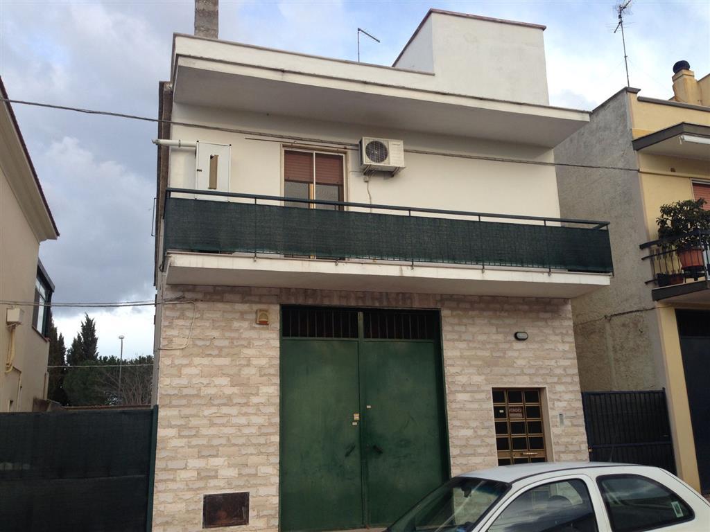 Soluzione Indipendente in vendita a Andria, 4 locali, zona Località: MONTEGROSSO, prezzo € 150.000 | CambioCasa.it