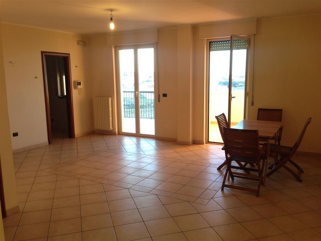 Appartamento in vendita a Andria, 4 locali, prezzo € 165.000 | CambioCasa.it