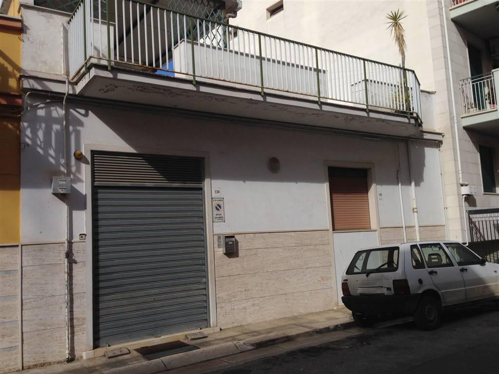 Soluzione Indipendente in vendita a Andria, 3 locali, zona Località: SEMICENTRO, prezzo € 155.000 | CambioCasa.it
