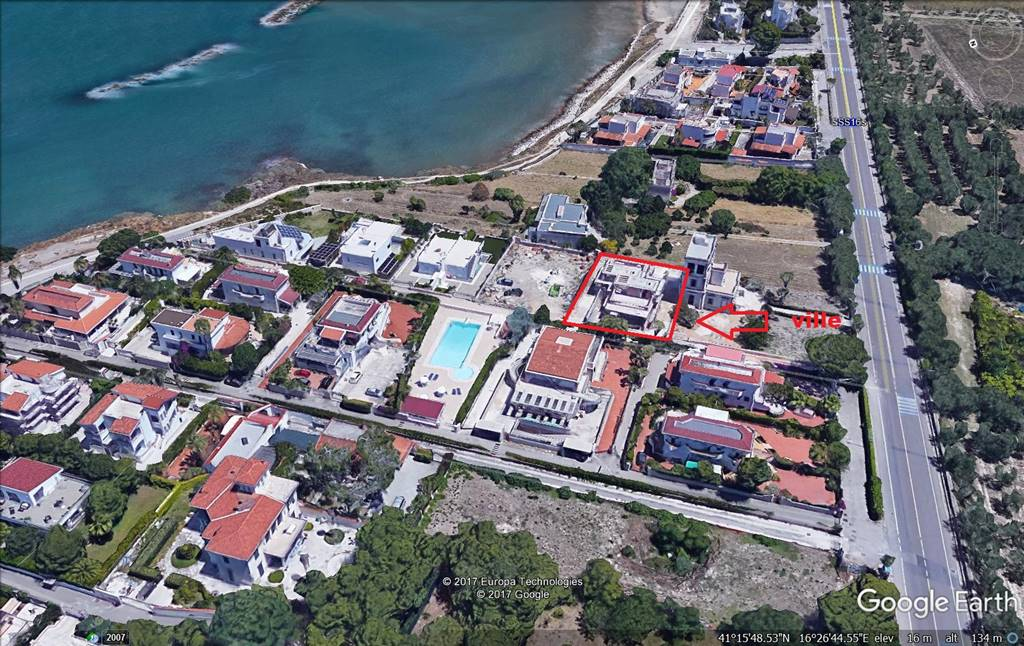 Villa in vendita a Trani, 5 locali, prezzo € 400.000 | CambioCasa.it
