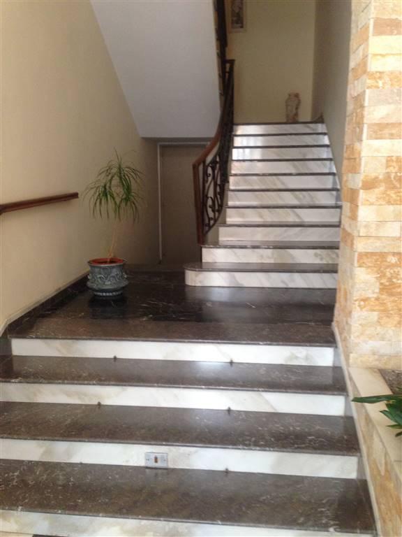 Palazzo / Stabile in vendita a Andria, 9 locali, zona Località: SEMICENTRO, prezzo € 450.000 | CambioCasa.it