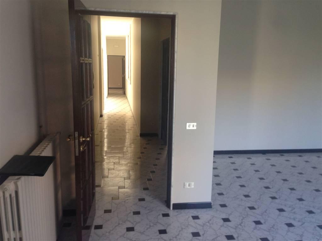 Appartamento in vendita a Andria, 5 locali, zona Località: SEMICENTRO, prezzo € 145.000 | CambioCasa.it