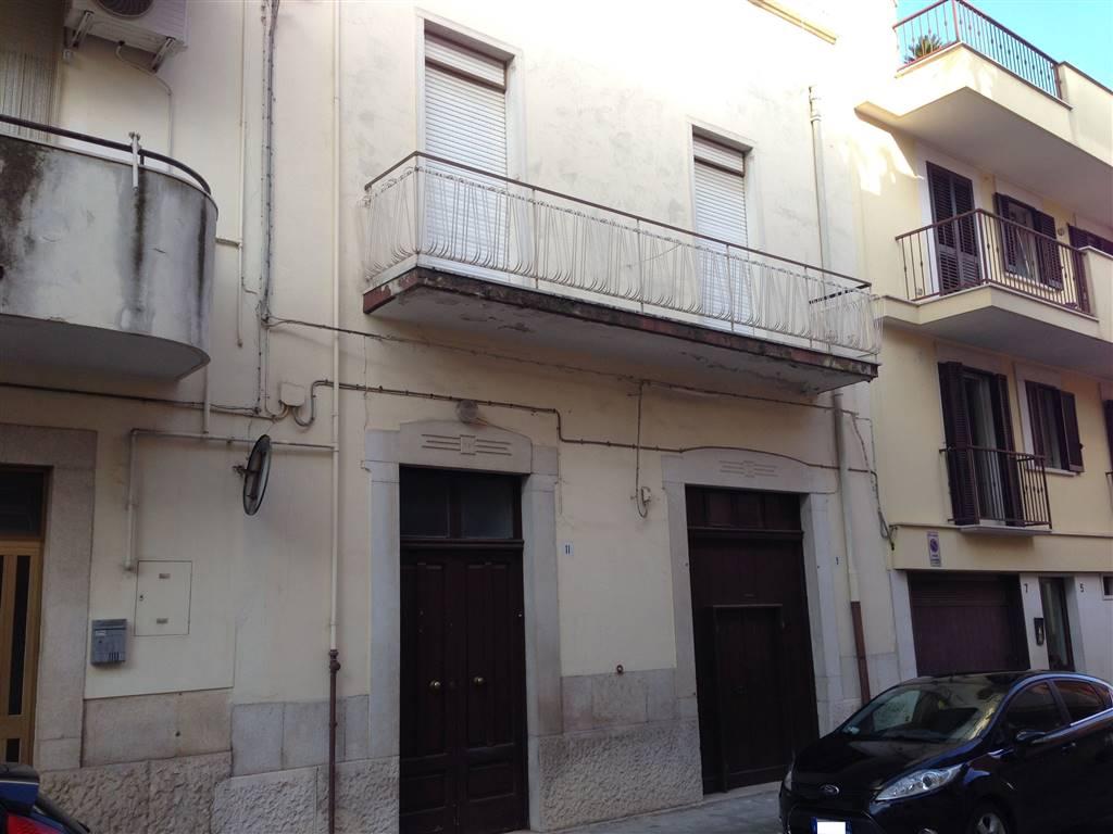 Soluzione Indipendente in vendita a Andria, 6 locali, zona Località: SEMICENTRO, prezzo € 160.000 | CambioCasa.it