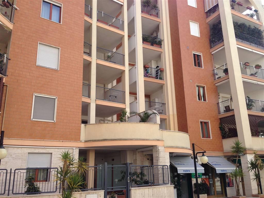 Appartamento in vendita a Andria, 3 locali, zona Località: SEMICENTRO, prezzo € 185.000 | CambioCasa.it