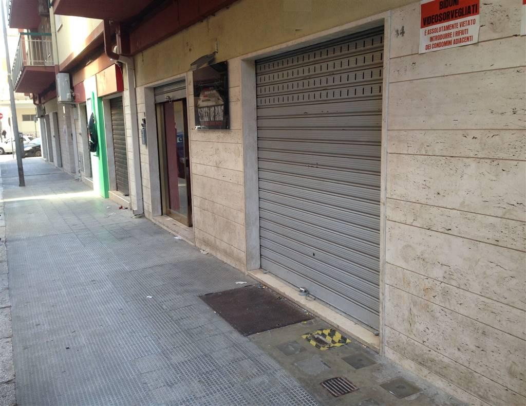 Immobile Commerciale in affitto a Andria, 2 locali, zona Località: CENTRO, prezzo € 450 | CambioCasa.it