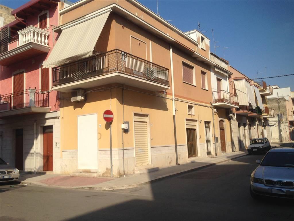 Soluzione Indipendente in vendita a Andria, 2 locali, zona Località: SEMICENTRO, prezzo € 55.000   CambioCasa.it