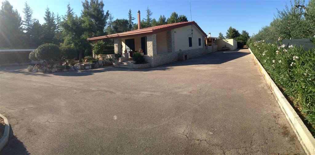 Villa in vendita a Andria, 4 locali, zona Località: SEMICENTRO, prezzo € 200.000 | CambioCasa.it