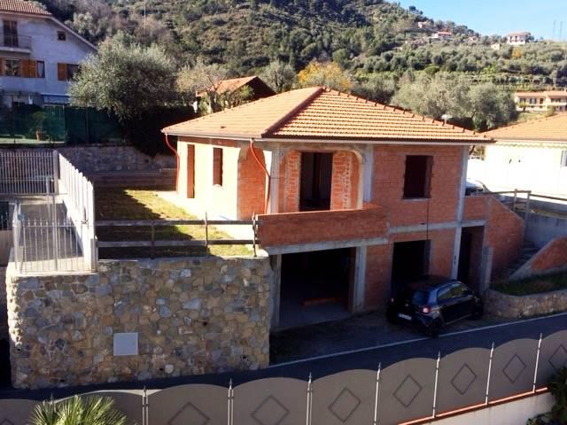 Soluzione Indipendente in vendita a Camporosso, 3 locali, zona Località: 3 MN DAL CENTRO, prezzo € 285.000 | Cambio Casa.it