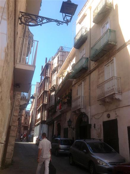Palazzo / Stabile in Vendita a Taranto