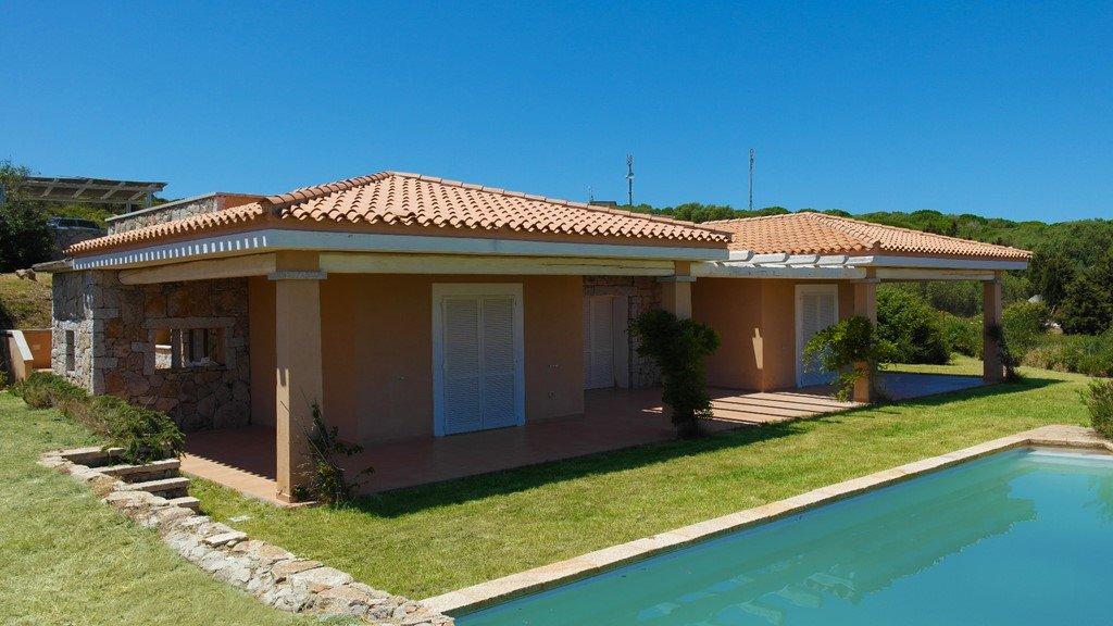 Villa in vendita a Santa Teresa Gallura, 5 locali, prezzo € 650.000 | Cambio Casa.it