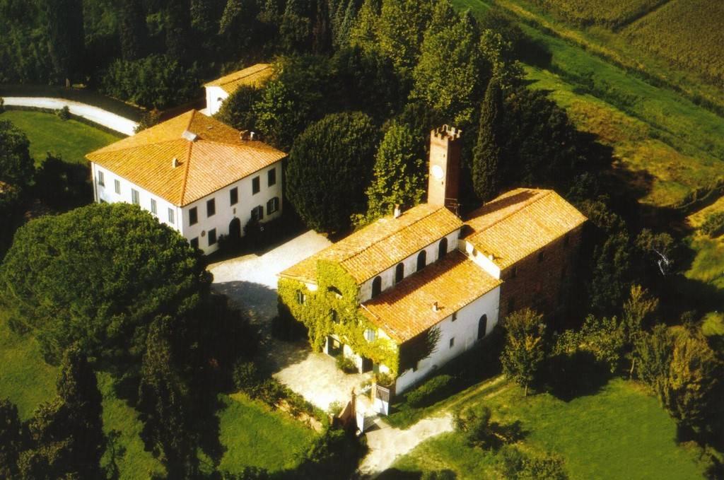 Soluzione Indipendente in vendita a Fucecchio, 20 locali, zona Località: GALLENO, Trattative riservate | Cambio Casa.it