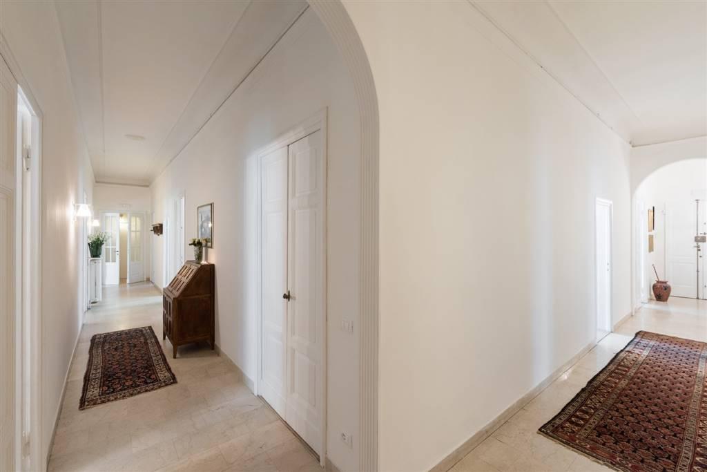 DUOMO, FIRENZE, Appartamento in affitto di 350 Mq, Ristrutturato, Riscaldamento Centralizzato, Classe energetica: G, posto al piano Rialzato,