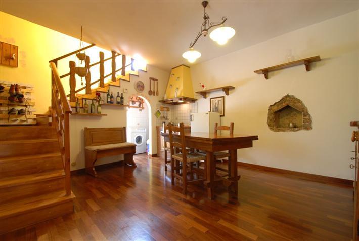 Soluzione Indipendente in vendita a Suvereto, 4 locali, prezzo € 150.000   Cambio Casa.it