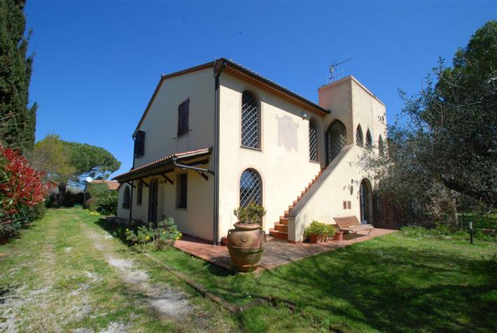 Rustico / Casale in vendita a Campiglia Marittima, 7 locali, Trattative riservate | Cambio Casa.it