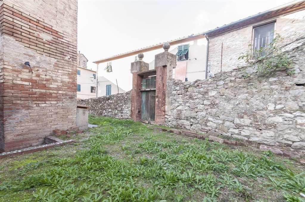 Appartamento in vendita a Suvereto, 4 locali, prezzo € 105.000 | Cambio Casa.it