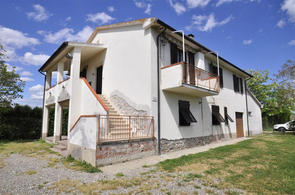 Rustico / Casale in vendita a Suvereto, 10 locali, prezzo € 320.000   Cambio Casa.it