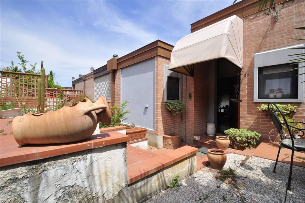 Villa in vendita a Piombino, 6 locali, prezzo € 350.000 | Cambio Casa.it