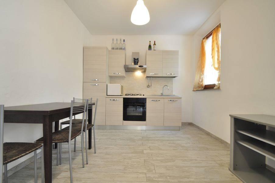 Appartamento in vendita a Suvereto, 4 locali, prezzo € 90.000 | Cambio Casa.it
