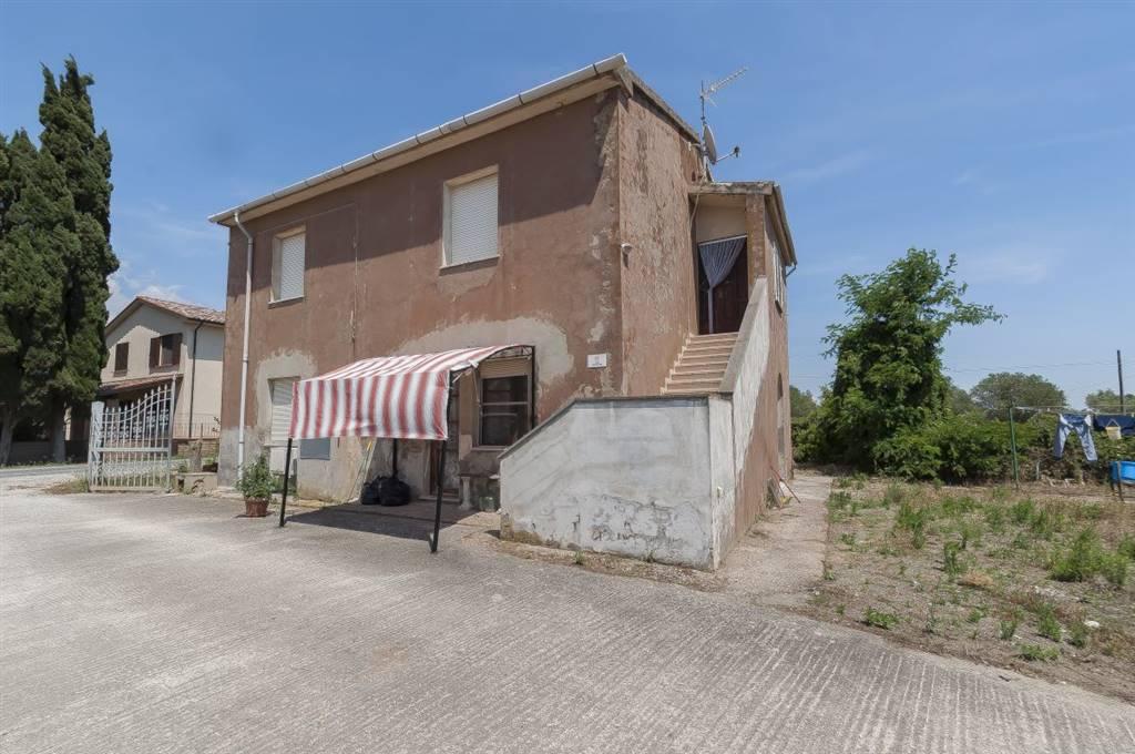 Rustico / Casale in vendita a Piombino, 6 locali, prezzo € 340.000 | CambioCasa.it