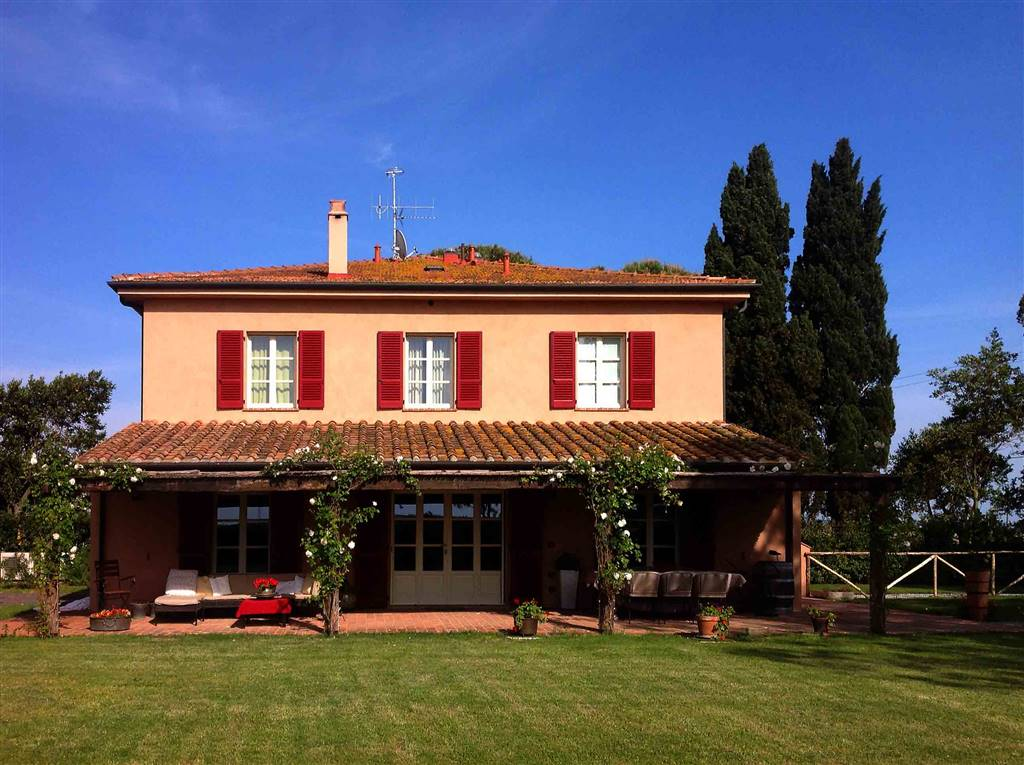 Rustico / Casale in vendita a Piombino, 7 locali, Trattative riservate | CambioCasa.it