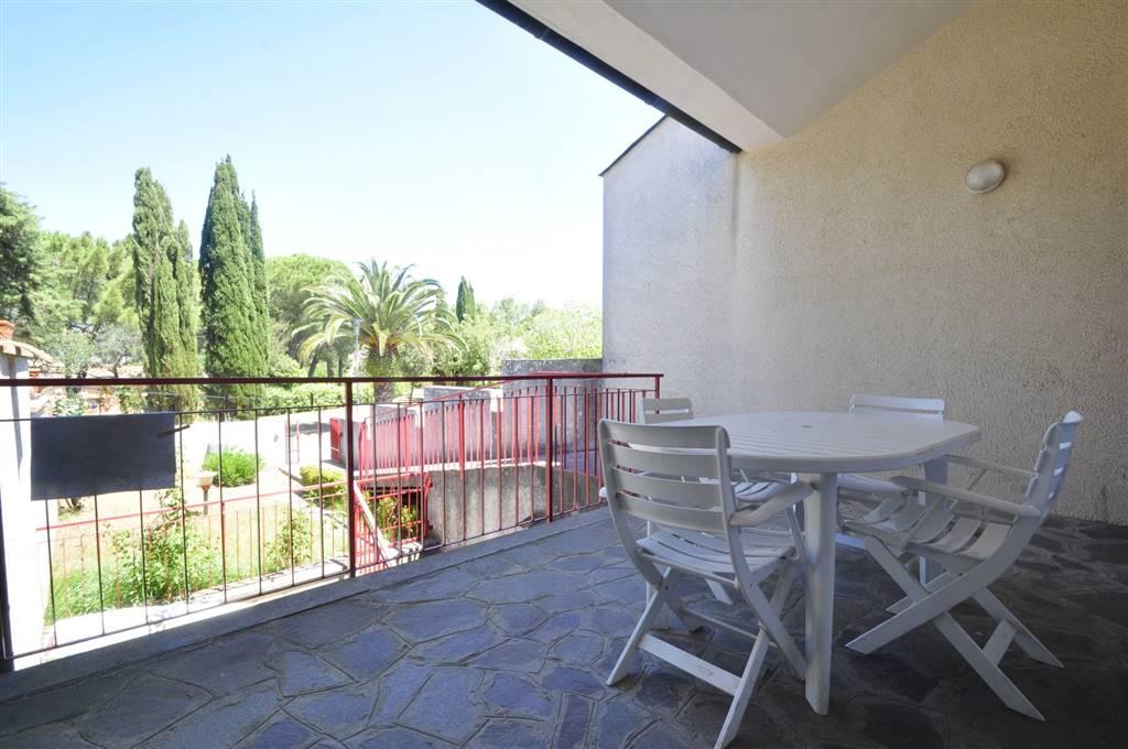 Villa in vendita a San Vincenzo, 5 locali, prezzo € 250.000 | CambioCasa.it