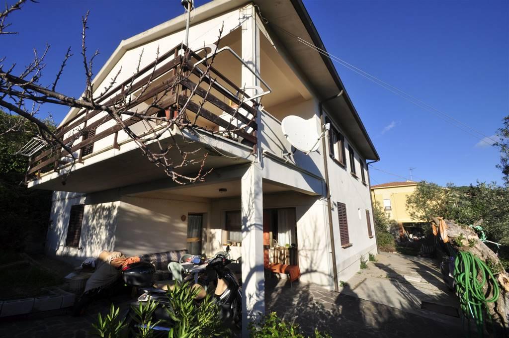 Villa in vendita a Campiglia Marittima, 5 locali, prezzo € 310.000 | CambioCasa.it