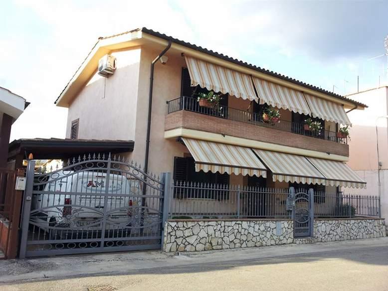 Villa, Monticchio, Sermoneta, in nuova costruzione