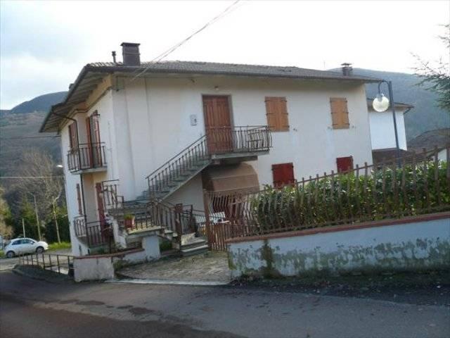 Appartamento in vendita a Camugnano, 7 locali, prezzo € 120.000 | Cambio Casa.it