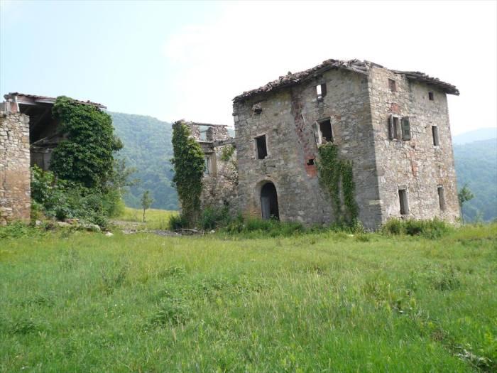 Rustico / Casale in vendita a Monte San Pietro, 10 locali, prezzo € 350.000 | Cambio Casa.it