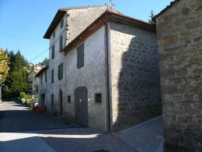 Rustico / Casale in vendita a San Benedetto Val di Sambro, 10 locali, zona Zona: Pian del Voglio, prezzo € 150.000 | CambioCasa.it