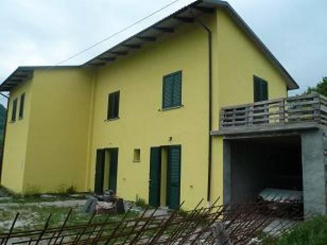 Soluzione Indipendente in vendita a Castel d'Aiano, 5 locali, prezzo € 220.000 | Cambio Casa.it