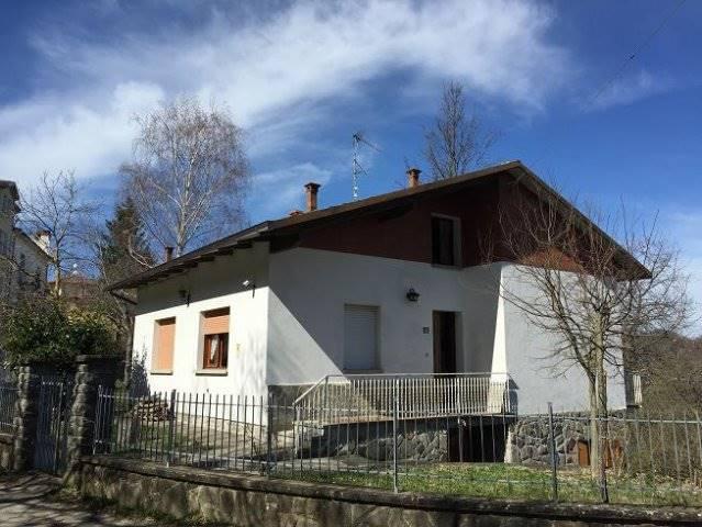 Villa in Vendita a San Benedetto Val di Sambro
