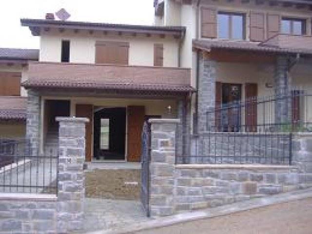 Villa a Schiera in vendita a San Benedetto Val di Sambro, 4 locali, prezzo € 200.000 | Cambio Casa.it