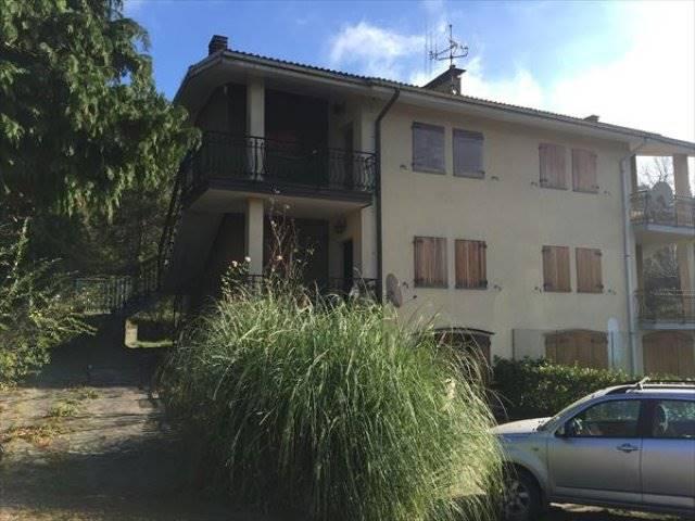 Soluzione Indipendente in vendita a San Benedetto Val di Sambro, 10 locali, zona Località: PIANO DEL VOGLIO, Trattative riservate | Cambio Casa.it