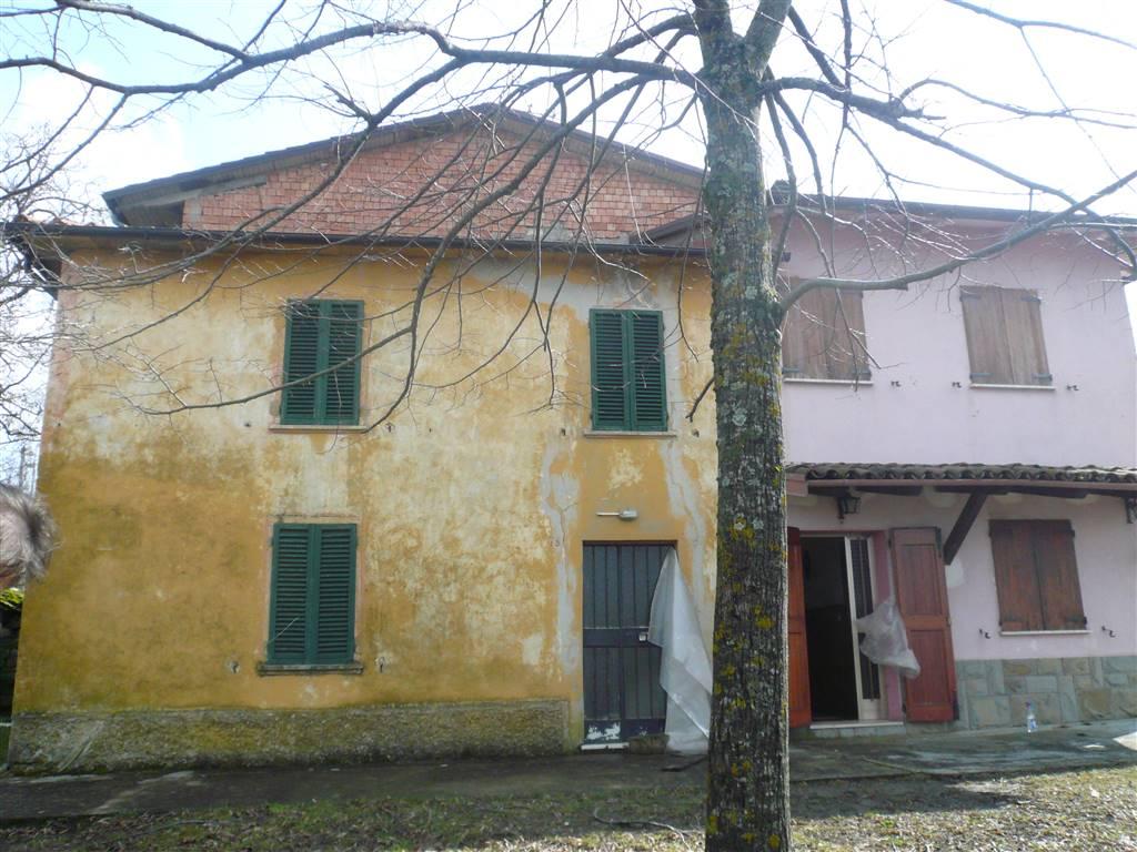 Soluzione Indipendente in vendita a Camugnano, 10 locali, zona Zona: Guzzano, prezzo € 85.000 | CambioCasa.it