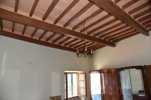 Appartamento in vendita a Cetona, 4 locali, zona Località: CETONA, prezzo € 170.000 | CambioCasa.it