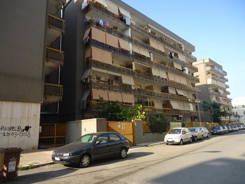 Magazzino in Vendita a Bari
