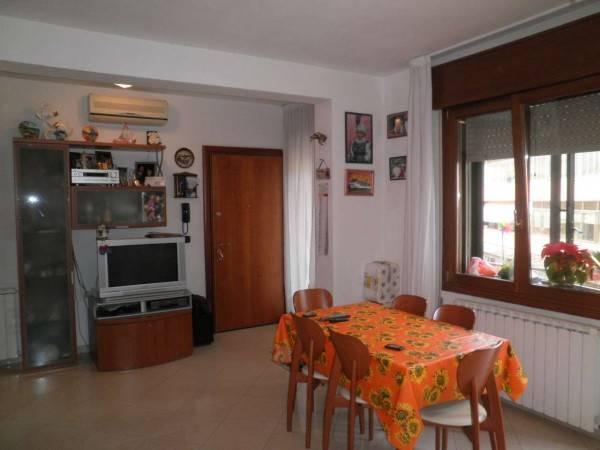 Appartamento in vendita a Chioggia, 4 locali, zona Zona: Sottomarina, prezzo € 165.000 | Cambio Casa.it