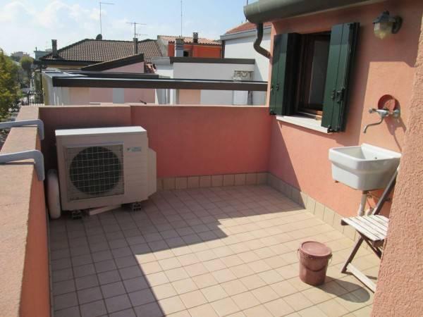 Soluzione Indipendente in vendita a Chioggia, 4 locali, zona Zona: Sottomarina, prezzo € 185.000 | Cambio Casa.it