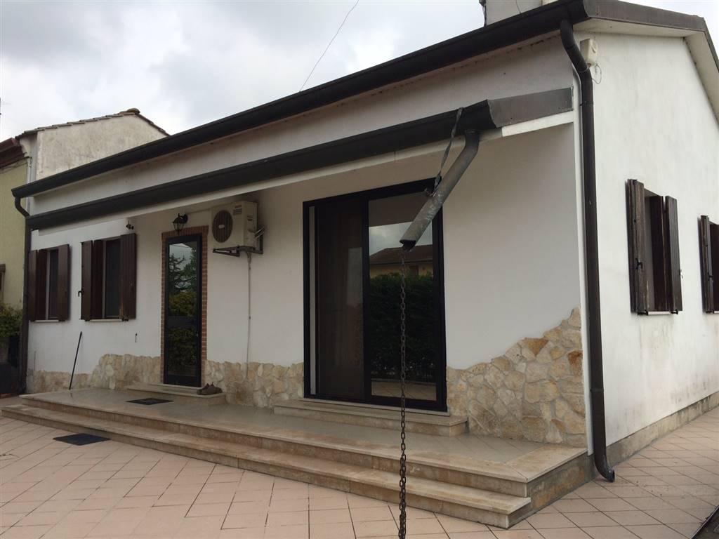 Soluzione Indipendente in vendita a Chioggia, 5 locali, zona Località: CANAL DI VALLE, prezzo € 150.000 | Cambio Casa.it