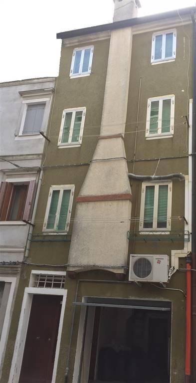 Soluzione Indipendente in vendita a Chioggia, 4 locali, zona Località: CENTRO STORICO, prezzo € 115.000 | Cambio Casa.it