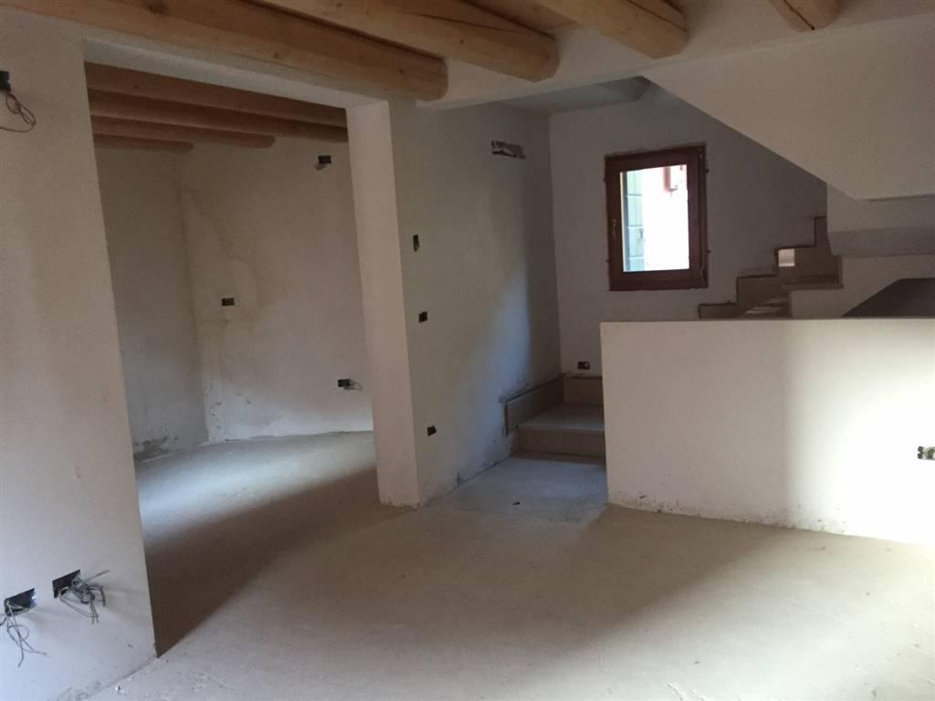 Soluzione Indipendente in vendita a Chioggia, 4 locali, zona Zona: Sottomarina, prezzo € 140.000 | Cambio Casa.it