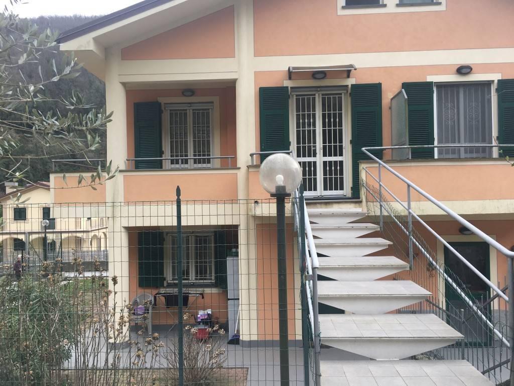 Appartamento in vendita a Mezzanego, 3 locali, zona Località: VIGNOLO PIANO, prezzo € 138.000   CambioCasa.it